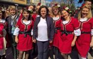 Ивелина Василева поведе хоро в сърцето на Бургас