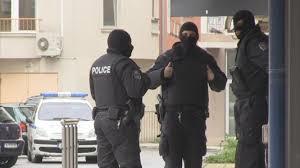 Арестуваха криминално проявени варненци за кражба от джип в Сарафово