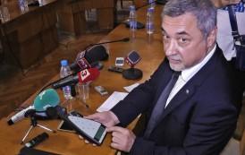 Извънредно! Вицепремиерът Валери Симеонов подаде оставка